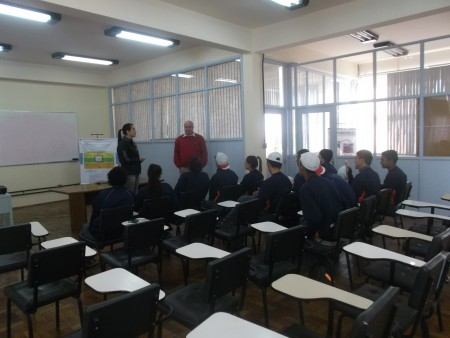 Turma do Projeto Pescar da SCREW visita a Agropertences