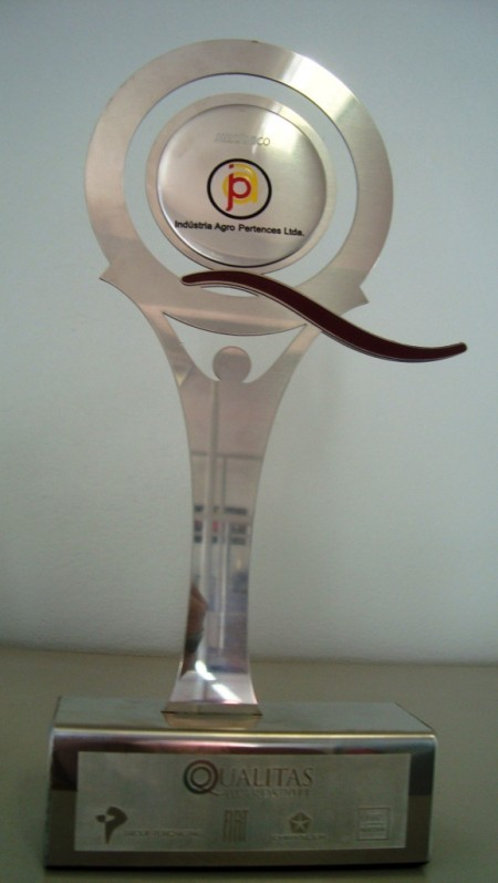 Agro-Pertences recebe Prêmio Qualitas 2011